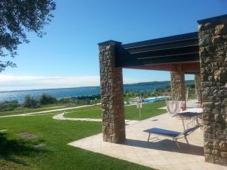 RosaDeiVenti: 2 bdr.Superior, 2Pools,View, WIFI