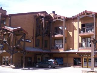 Wonderful In Town 1 Bedroom Condo - Der Steiermark 101, Breckenridge