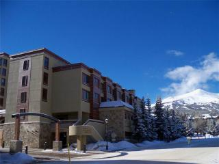 Beautiful Ski In/Out Studio Condo - Peak 9 Inn- Liftside 4416, Breckenridge