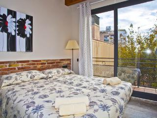 Sunny rooftop 3 bedroom apartment, Barcellona