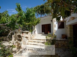Idyllic House in Peristerona (Villa 27553)