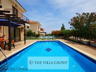 House with 3 Bedroom & 2 Bathroom in Oroklini (Villa 3039)