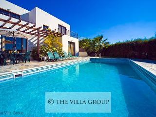 Kissonerga 3 BR-3 BA House (Villa 3048)