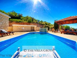 Great House with 3 Bedroom, 1 Bathroom in Peristerona (Villa 390)