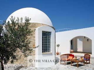 Charming 3 BR-3 BA House in Miliou (Villa 43723)