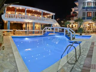 Folia Apartments, Agia Marina