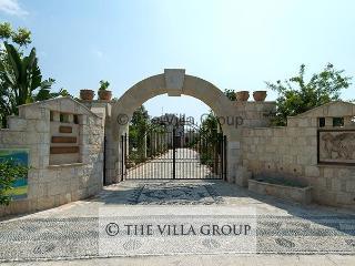 Lovely House in Argaka (Villa 485)