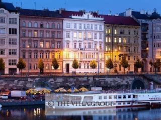 Villa 60385, Prague
