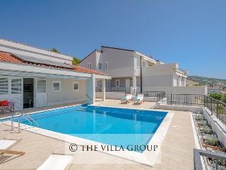 Villa 82854, Primosten