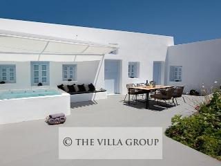 Villa 90118, Megalokhorion