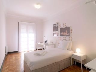 Uporto House - Quarto Individual com WC Partilhado