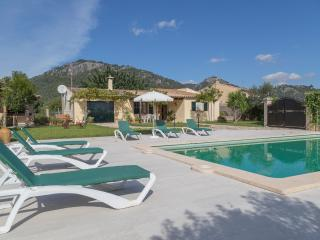 Homely villa with swimming pool, Campanet