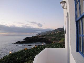 Charco Azul Isla de La Palma junto al mar