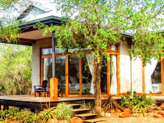 Chumbi Bush House - Hluhluwe, South Africa