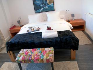 Luxury B&B GuestHouse, Perfect Location w/ A/C, Tavira