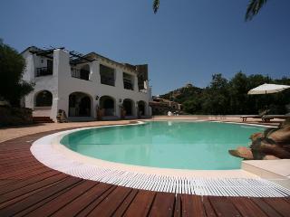Luxury Apartment sea view with swimmingpool