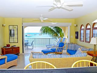 Sea Place Villa ~ Simpson Bay St. Maarten ~  Oceanfront with pool, Baie de Simpson