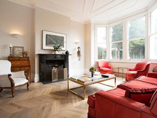 Elegant London 5 Bed Home, Clapham Common