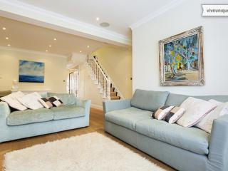 Gorgeous Victorian 4 bed home in Fulham - Settrington Road, London