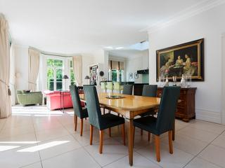Stunning 5 Bedroom with garden and pool, Goldhawk Rd, Hammersmith, Londres