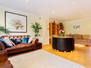 Charming four Bedroom House - sleeps 7 in Maida Vale, London