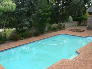 LIVING GREEN IN CENTRAL GATED NEIGHBORHOOD