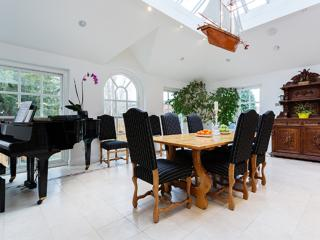 Grand 7 bedroom house with playground garden, Frognal, Hampstead, London