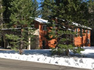 Finley's Place in Tahoe - Luxury for Families!, South Lake Tahoe