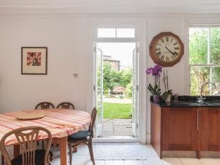 3 bed house, Old Woolwich Road, Greenwich, London