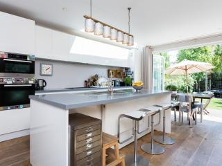 3 bed family house, Dalgarno Gardens, Notting Hill, London