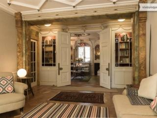 2 bed art deco apartment on Bayswater Road, Kensington, London
