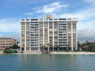 Continental Towers-VACATION with the comforts of HOME