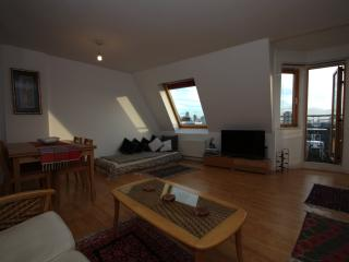 Top of the World, White Lion Street, 2 bed penthouse, Islington, Londen