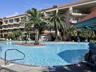 Luxury Seawall Condo w/Resort Pools