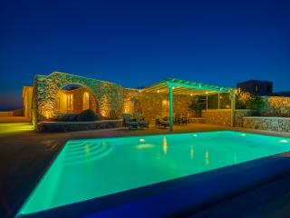 Secluded villa with private pool , amazing views!, Mykonos-Stad