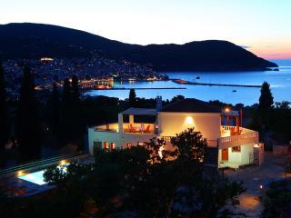 VILLA ORANGE, Skopelos-Stadt