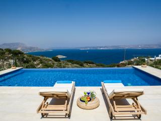 Alinea View, Luxury villa with private pool
