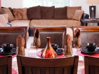 Luxury 6 Bedroom, 5.5 Bathroom Villa, Kissimmee