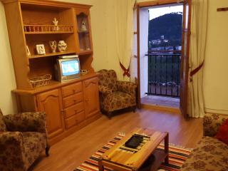 Acogedor apartamento con vistas a pueblo y montaña, Es Capdella