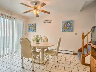 Spacious 4BR House W/Yard 3 Blks 2 Beach from 8/20, Wildwood Crest