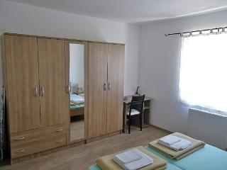 Apartment 000156 Apartment for 4 persons with extra bed and 2 bedrooms (ID 335), Novigrad