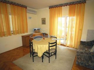 Apartment 000356 Apartment for 4 persons with 2 extra beds and 2 bedrooms (ID 824), Umag