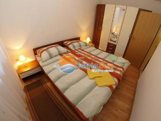 Apartment 000380 Apartment for 2 persons with 2 extra beds (ID 865), Rovinj