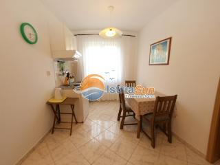 Apartment 000420 Apartment for 3 persons with extra bed (ID 965), Peroj