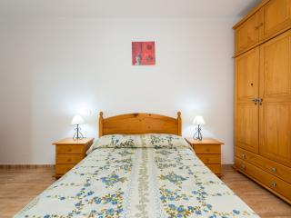 APARTMENT IN GRAN CANARIA WIFI AND SATELLITE TV 3A, Vecindario