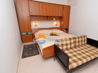 Apartment 000650 Apartment for 4 persons with extra bed and 2 bedrooms (ID 1557), Rabac