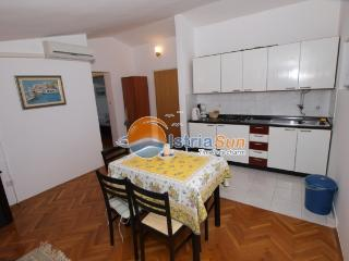 Apartment 000727 Apartment for 4 persons with extra bed (ID 1699), Pula