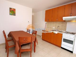 Apartment 000778 Apartment for 4 persons with extra bed and 2 bedrooms (ID 1818), Peroj