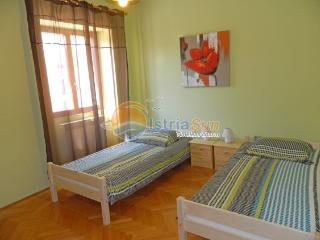Apartment 000892 Apartment for 4 persons with 2 extra beds and 2 bedrooms (ID 2080), Pula
