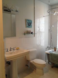 3rd flr bath